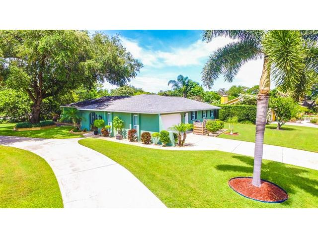 805 Exmoor St, Sarasota, FL 34243
