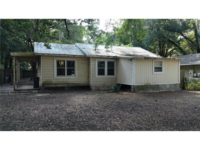 1811 N Barnes St, Plant City, FL 33563