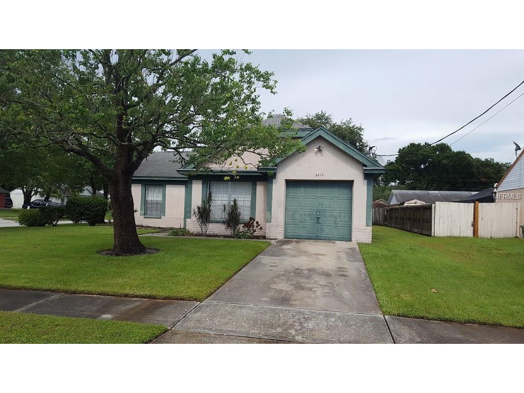 2210 N Merrin Street, Plant City, FL 33563