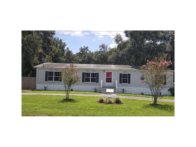 2715 W Knights Griffin Rd, Plant City, FL 33565