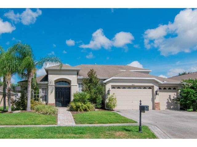 10314 Meadow Crossing Dr, Tampa, FL 33647