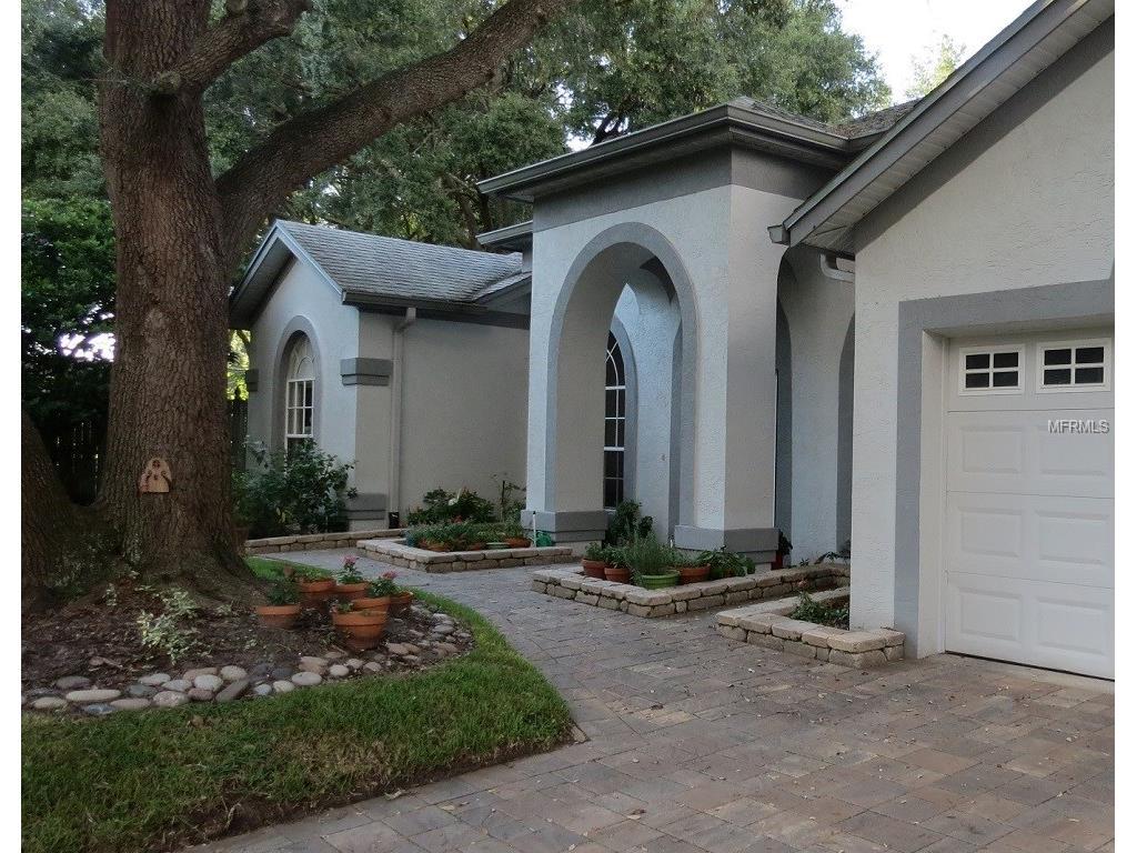 4411 Round Lake Court, Tampa, FL 33618