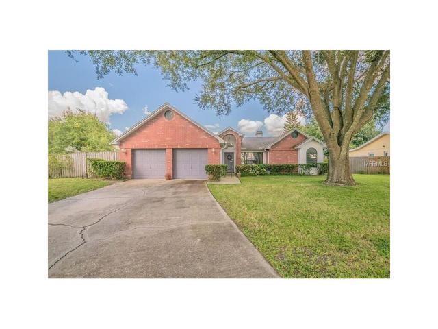 1402 Edgewater Ct, Lutz, FL 33559