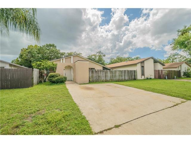 10718 Crowngate Ln, Tampa, FL 33624