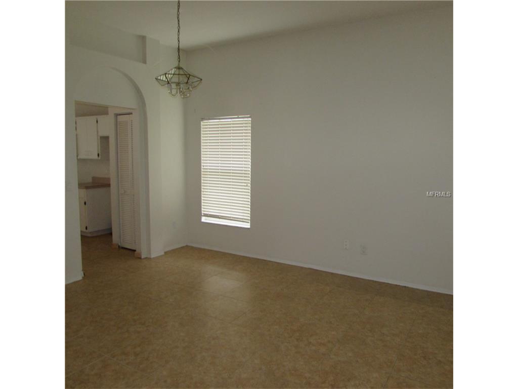 1606 Portsmouth Lake Drive, Brandon, FL 33511