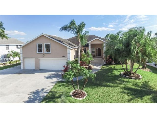822 Golf Island Dr, Apollo Beach, FL 33572