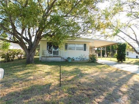 5404 Flint St Zephyrhills Fl 33542 64 Photos Mls T3235210