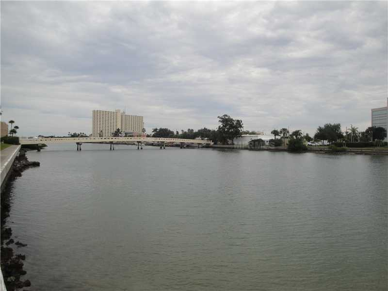 7405 Bay Island Dr 324, Saint Petersburg FL 33707
