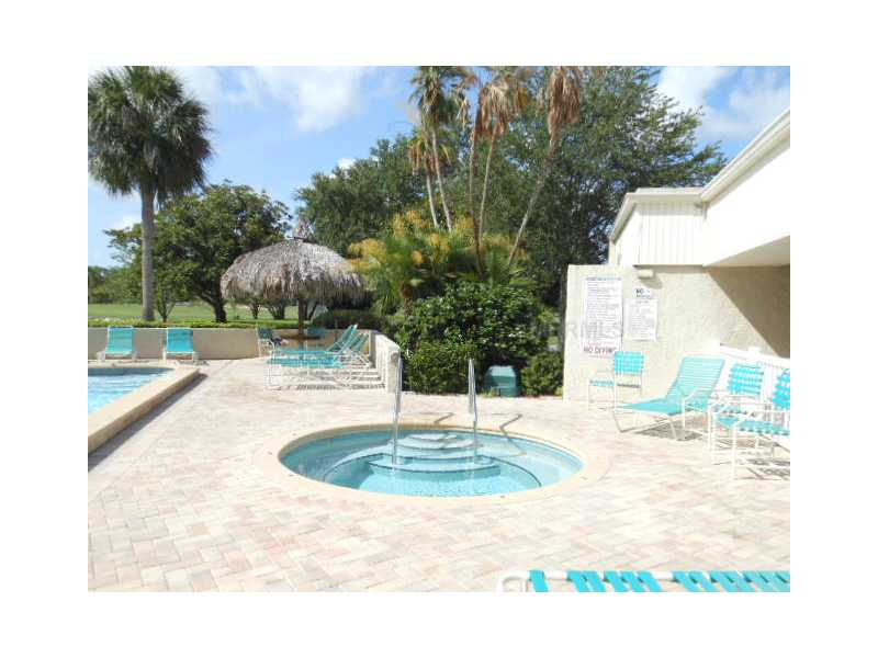 2618 Cove Cay Dr #APT 306, Clearwater FL 33760