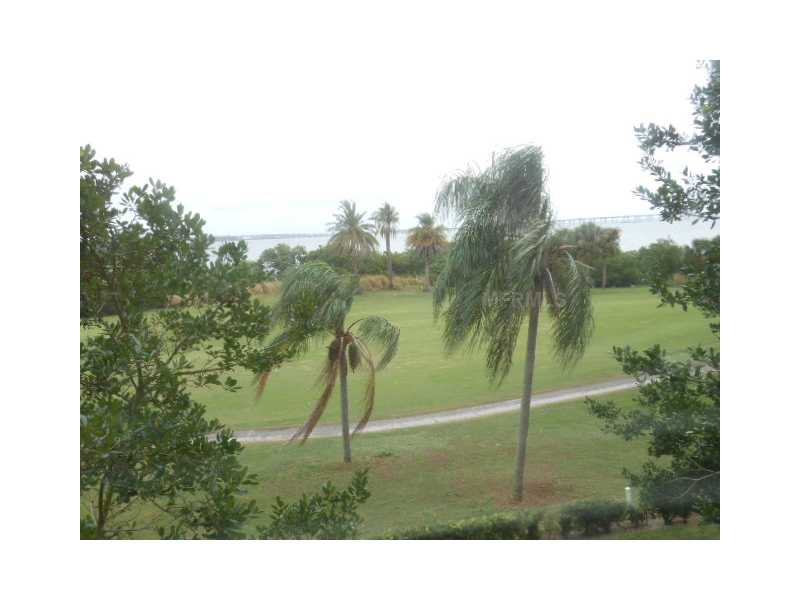 2618 Cove Cay Dr #APT 306, Clearwater, FL