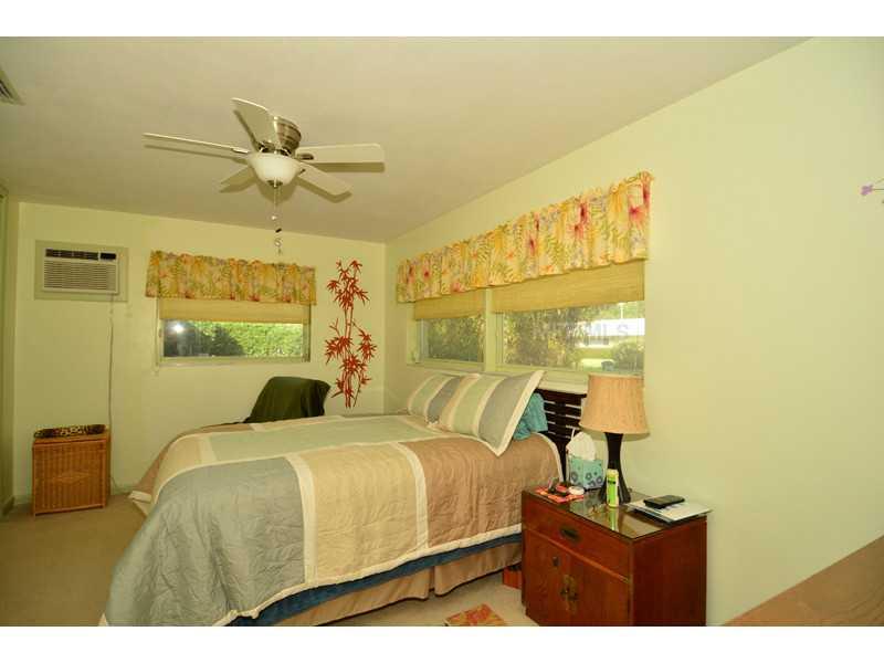 13882 Martinique Dr, Seminole FL 33776