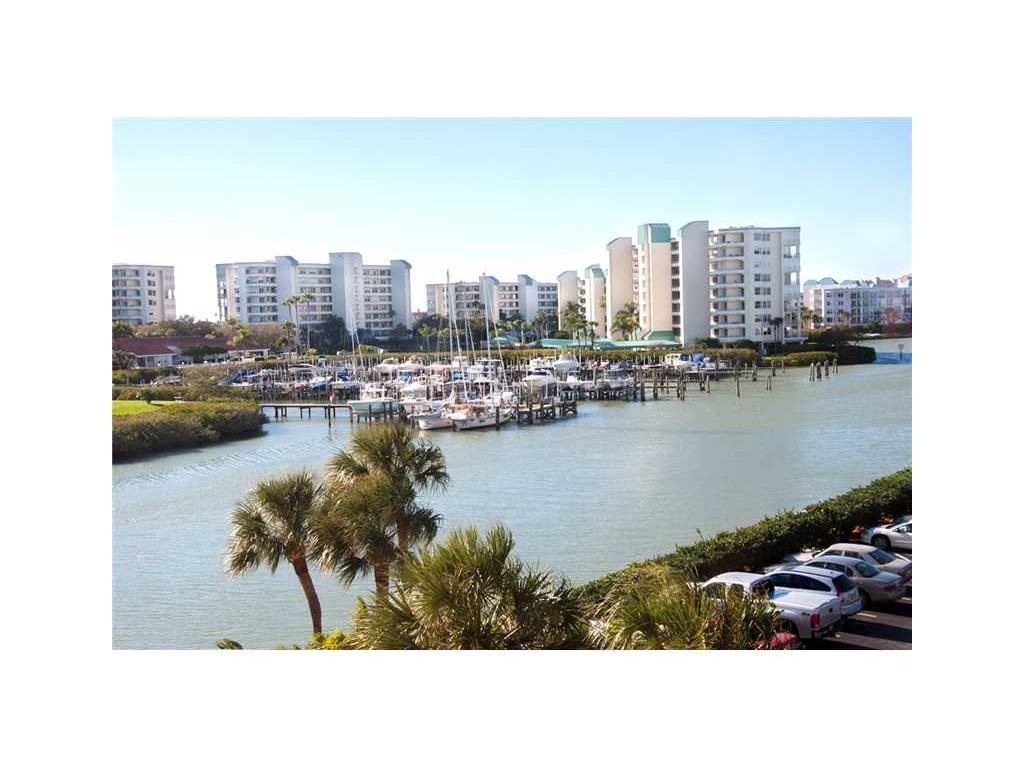 7400 Sun Island Dr #APT 406, Saint Petersburg, FL