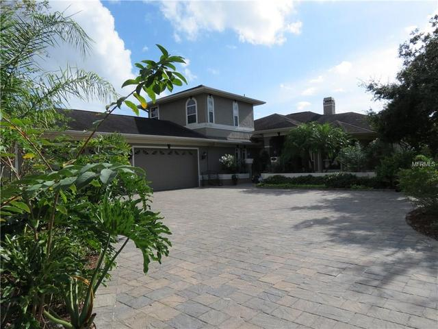 828 Christina Cir, Oldsmar, FL