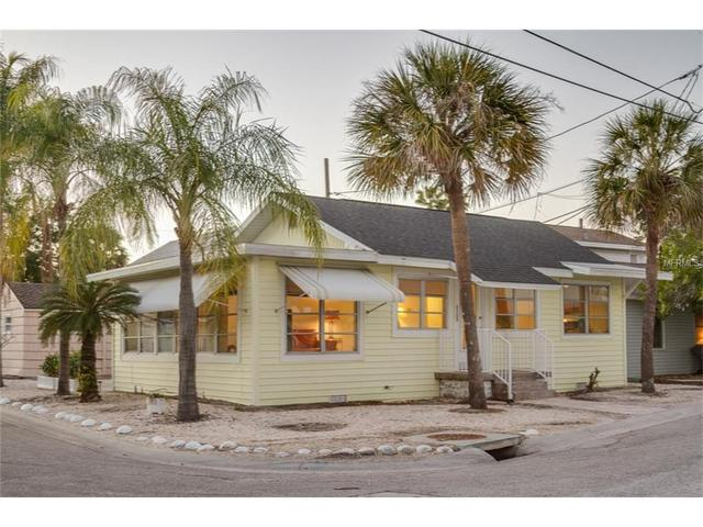 8700 E Bay Dr, Treasure Island, FL 33706