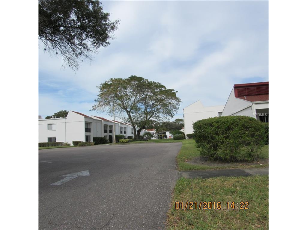 2060 Marilyn St #APT 229, Clearwater, FL