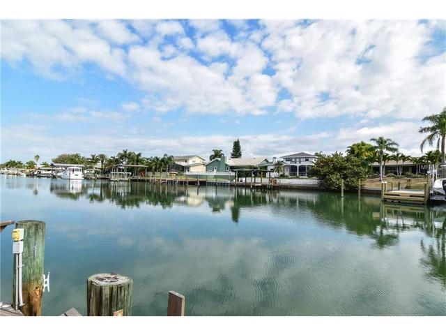 649 Island Way, Clearwater Beach FL 33767