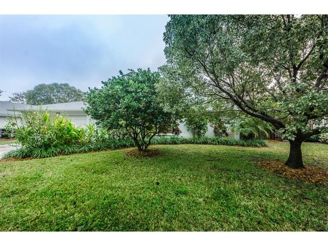 3385 Hyde Park Dr, Clearwater FL 33761