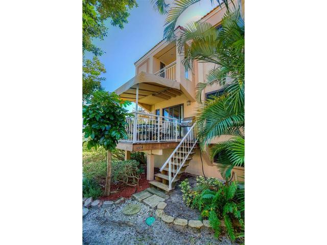 240 Windward Psge #APT 1004, Clearwater Beach FL 33767