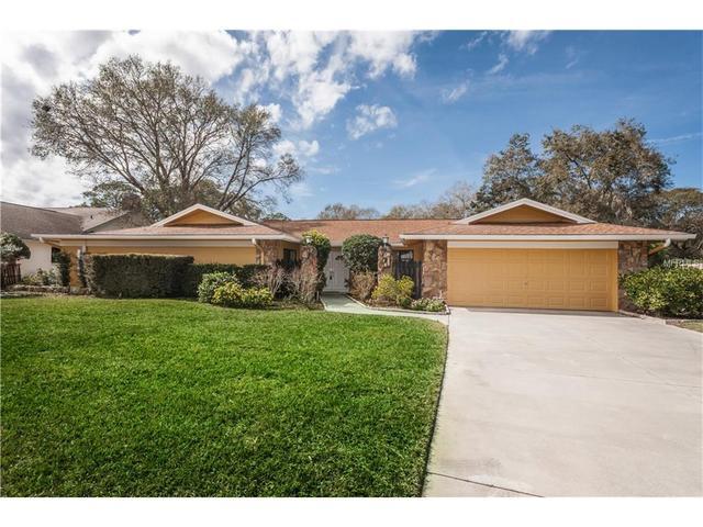 2216 Toniwood Ln, Palm Harbor, FL