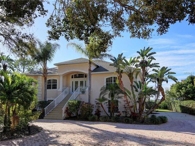 9003 Baywood Park Dr, Seminole, FL 33777
