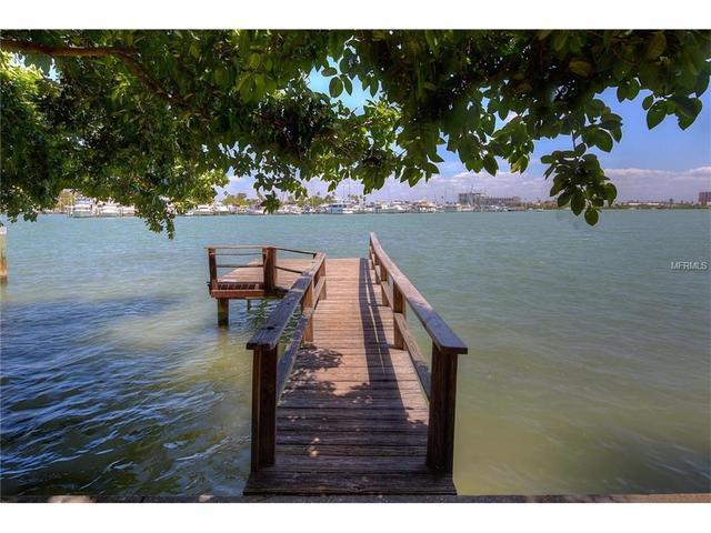 112 Devon Dr, Clearwater Beach FL 33767