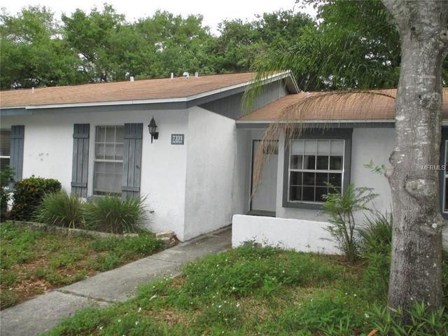 7331 Parkside Villas Dr, Saint Petersburg, FL