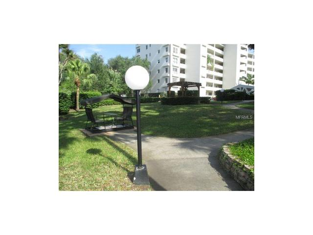 1235 S Highland Ave #APT F-707, Clearwater FL 33756