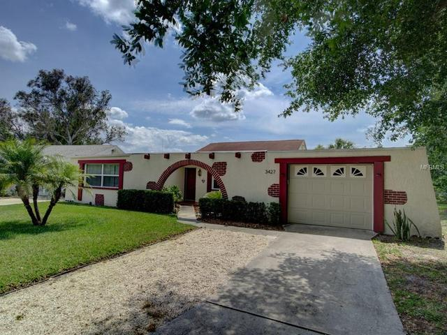3427 Overland Dr, Holiday FL 34691