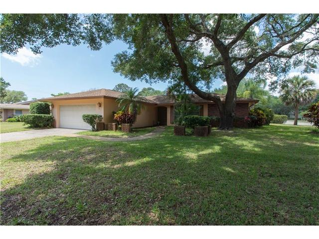 2662 Pebble Beach Dr, Clearwater FL 33761