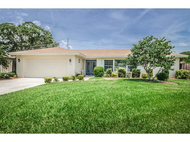 2990 Meadow Oak Dr, Clearwater FL 33761