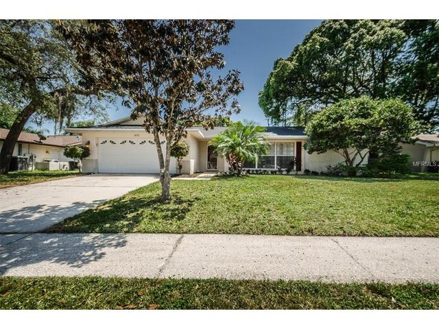 2837 Meadow Wood Dr, Clearwater FL 33761