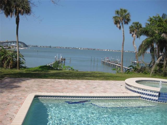 160 Bluff View Dr, Largo FL 33770