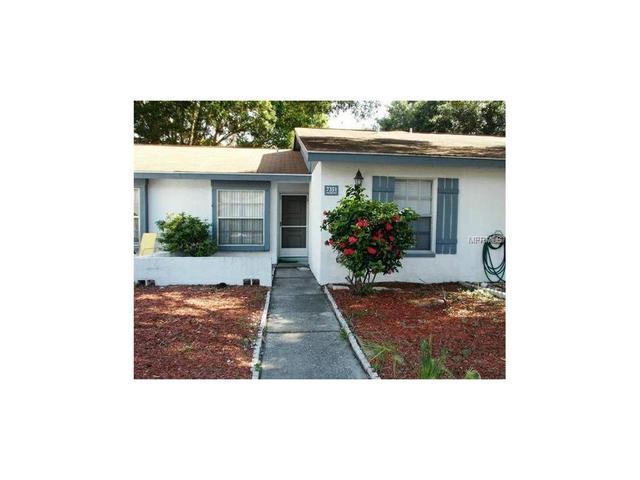 7351 Parkside Villas Dr, Saint Petersburg, FL