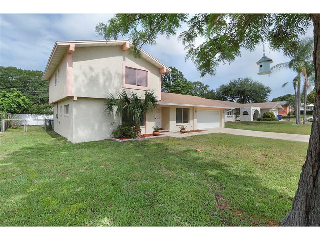 10416 Hetrick Circle W, Largo, FL 33774