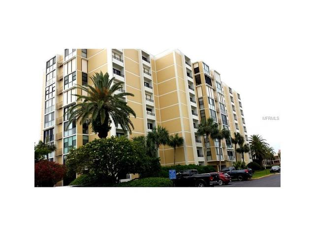 855 Bayway Blvd #APT 405, Clearwater Beach FL 33767