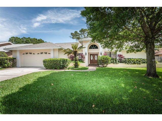 2691 Meadow Wood Dr, Clearwater FL 33761