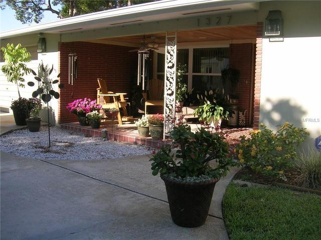 1327 Dorothy Dr, Clearwater, FL