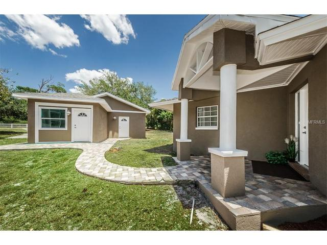 3221 Pineview Dr, Holiday, FL 34691