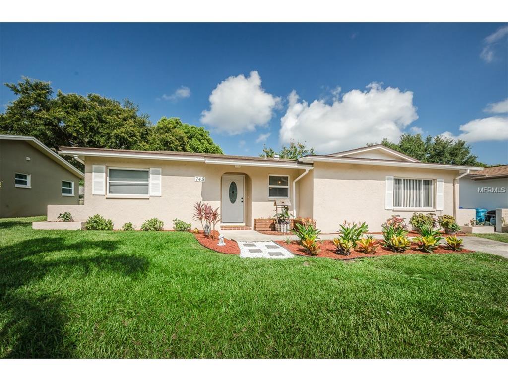 745 Barbara St, Palm Harbor, FL 34684