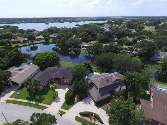 9050 Baywood Park Dr, Seminole, FL 33777