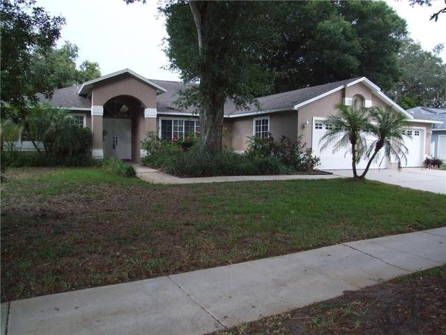 961 Oakview Rd, Tarpon Springs, FL 34689