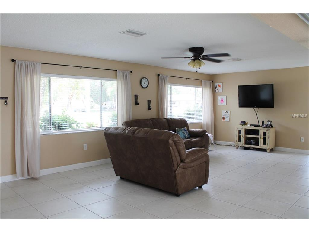 9239 118th Way, Seminole, FL 33772