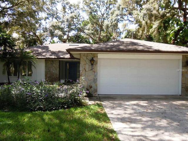 1707 Avoca Dr, Tarpon Springs, FL 34689