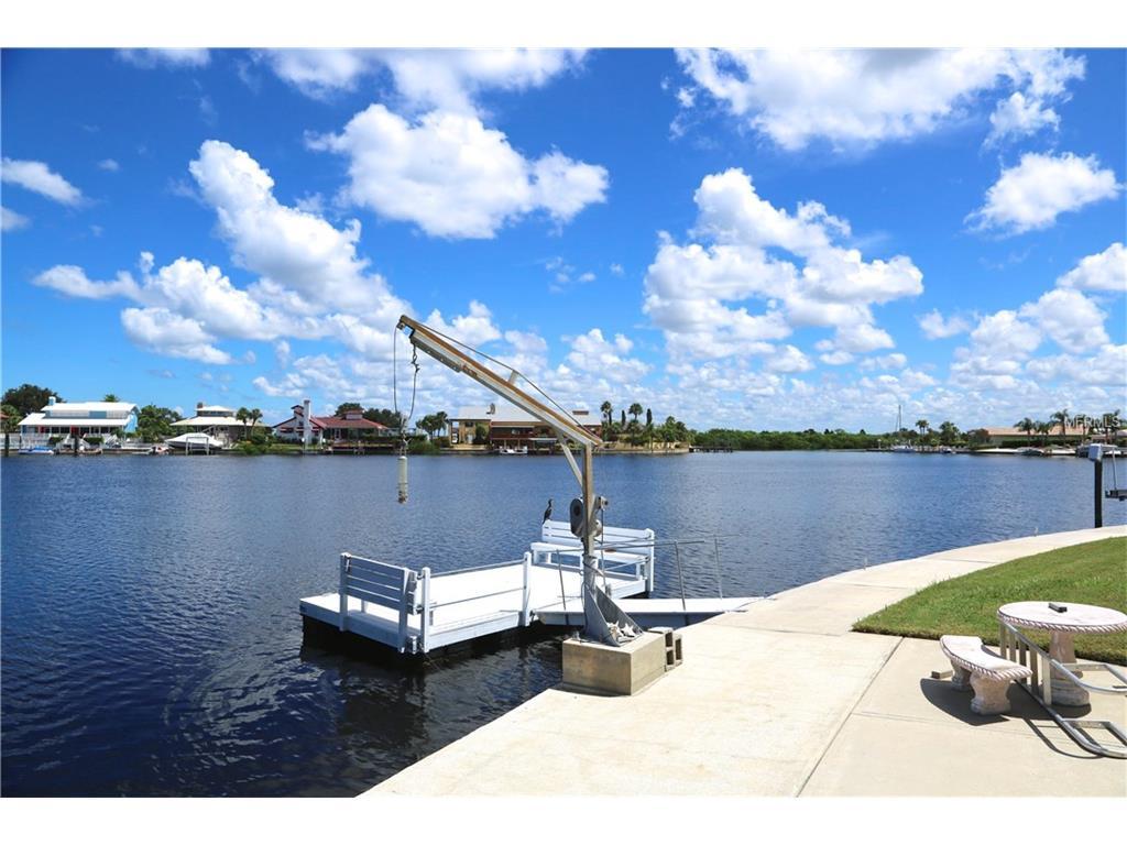 5551 Windward Way, New Port Richey, FL 34652