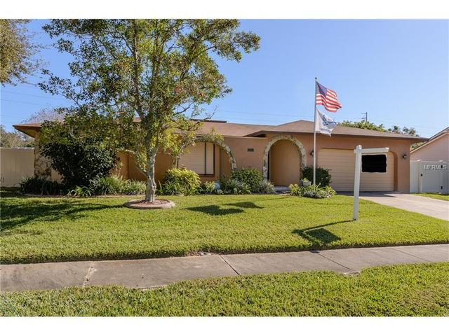 530 Meravan Dr, Palm Harbor, FL 34683