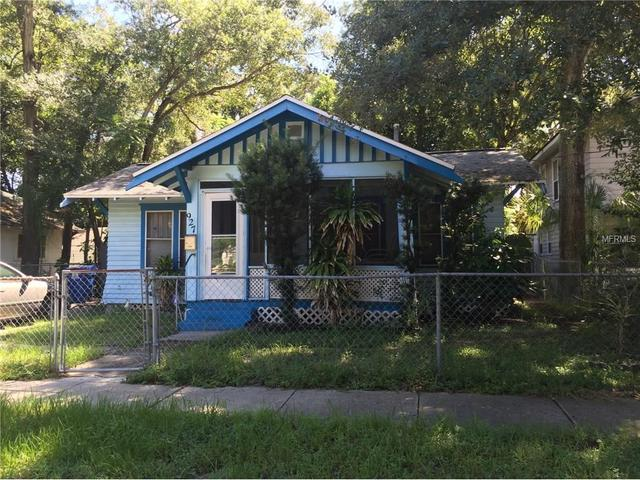 927 Crescent Lake Dr, Saint Petersburg, FL 33701