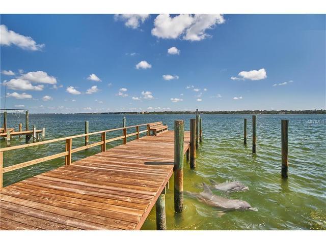 11245 9th St E, Treasure Island, FL 33706