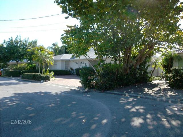 5820 Bikini Way S, Saint Pete Beach, FL 33706