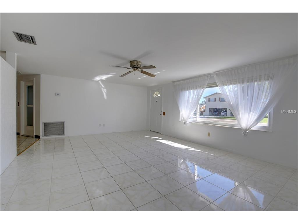 244 176th Avenue E, Redington Shores, FL 33708