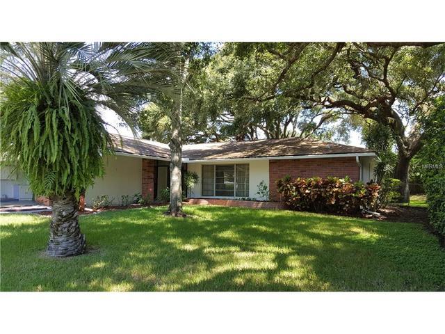 3036 N Oak Forest Dr N, Clearwater, FL 33759